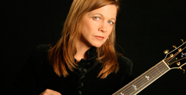 Carrie Newcomer :: Celebrated singer-songwriter plays outreach benefit